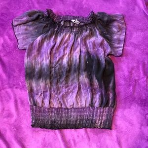 Thin purple and black top w/ short flare sleeves
